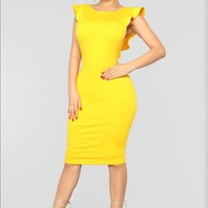 BRAND NEW YELLOW FASHION NOVA DRESS.